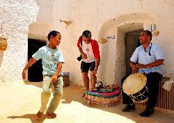 Muzykalni berberowie muzyka bez kabli wzmacniaczy i kolumn:)-2