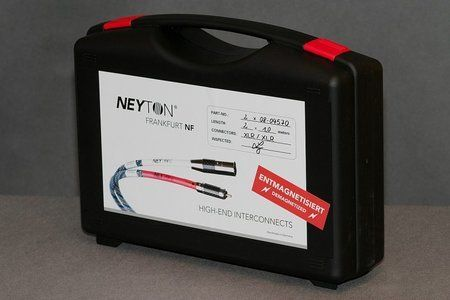Neyton-25_comp.jpg