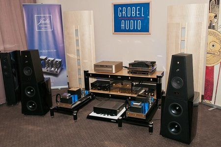 comp_AudioShow2011-384.jpg