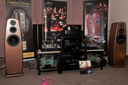 comp_AudioShow2011-419.jpg